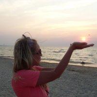 Солнце, я тебя держу, не заходи) :: Есения Подлипская