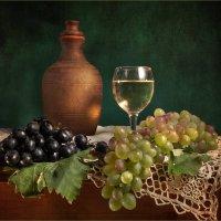 С виноградом :: Lev Serdiukov
