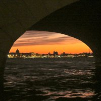 из-под моста :: Елена