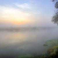Рассвет туманного сентября...2 :: Андрей Войцехов