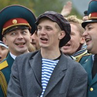 Звезды ютуба Боня и Кузьмич  с Новосибирцами поют караоке. :: cfysx