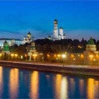 Вечер на Кремлевской набережной :: Anjelika Reshetnikova