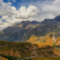 Тени на склонах Грузии :: Pavel Stolyar
