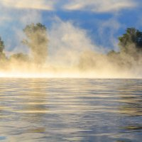 На реке ранним утром :: николай матюшенков