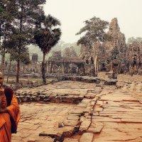 Да,есть над чем подумать! Ангкорват,Камбоджа. :: Евгений Подложнюк