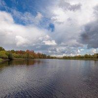 сентябрь на реке... :: Сергей