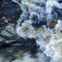 Осенняя река. :: Марина Шубина