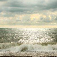 Чаруют блеском волны моря :: Марина Щуцких