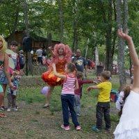 немного страшный детский праздник :: Sofia Rakitskaia