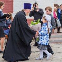 ОХОТА фотографов за Благочинным и первоклашкой :: Мария Корнилова