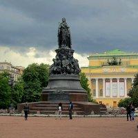 Памятник Екатерине II :: Сергей Карачин