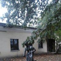Осенний дворик в музее Городской скульптуры. :: Светлана Калмыкова