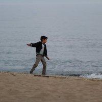 Мальчик и море. :: Андрей