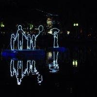 световые инсталляции на чистых прудах :: Августа