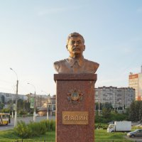 Памятник Иосифу Джугашвили :: Валерий Долгов