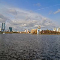 Осень в городе :: Александр Смирнов