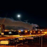 Никелевый завод ночью... :: Витас Бенета