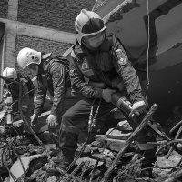 Непал. Землетрясение. Российские спасатели. :: Павел Байдалов