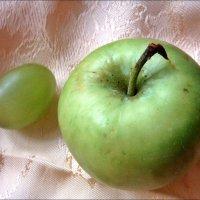 Каждому фрукту - своя ягодка! :: Нина Корешкова