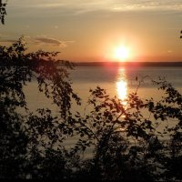 Летний закат на Ангаре :: Александр Попов