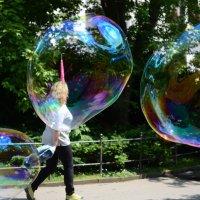 пузырь понятие двойное, то ли шампунь то ли спиртное :: Владимир Гойзман