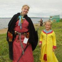 Мадонна с помощницей :: Дмитрий Ерохин