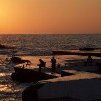 Вечерело в Бейруте :: Дмитрий Кияновский