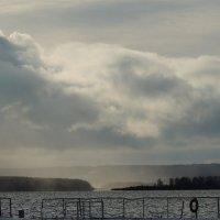 на правом берегу снегопад :: petyxov петухов