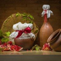 Уютный натюрморт с фруктами и керамикой :: Светлана Л.