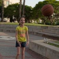 Мой веселый звонкий мяч 2 :: susanna vasershtein