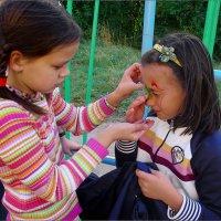 Девочка, Разбившая Качелей Нос Другой Девочке :: Андрей Пашис