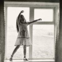 Танец на окне :: Елена Кузнецова