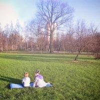 Дети в парке :: Victoria Lugovaya