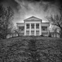 Haunted House :: Семён Титков