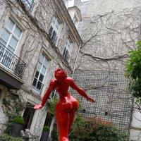 В парижском дворике) (цветовой контраст/ контраст объема и плоскости) :: Sofia Rakitskaia