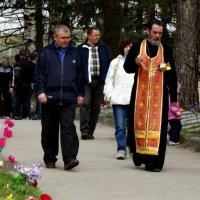 панихида на братском кладбище :: Сергей Кочнев