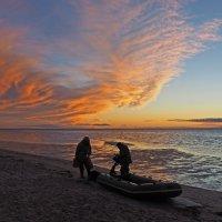 Северодвинск. Прогулка у моря. Солнце зашло, рыбалка закончена :: Владимир Шибинский