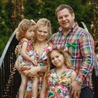 яркий семейный портрет :: Arthur Kharakhashian