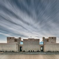 здание министерства обороны России на фрунзенской набережной :: Александр Лебедев