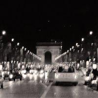 Париж, Елисейские поля, 21.40 :: Grigory Spivak