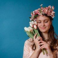 С цветами :: Павел Белоус