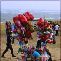 Продавец воздушных шаров. :: Anatol Livtsov