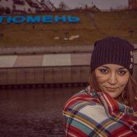 Девушка в пледе... :: Андрей Желаев
