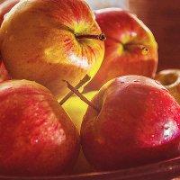 Вкусные яблочки :: Светлана