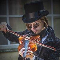 Скрипка Паганини. :: Александр Лейкум