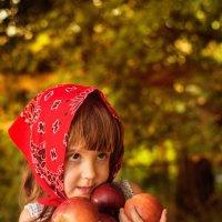 кому яблочко? :: Наталья