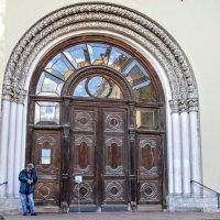 Портал Петропавловской церкви :: Юрий Тихонов