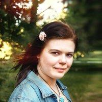 Девушка в летний вечер :: Валентина Матвиенко