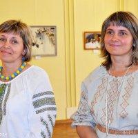 Лариса Клепас  та Ольга Слободанюк, художниці :: Степан Карачко