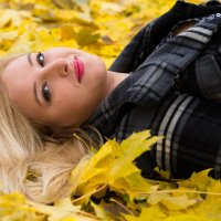 Девушка Осень. :: Инта
